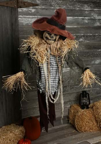 Animated Hanging Surprise Scarecrow